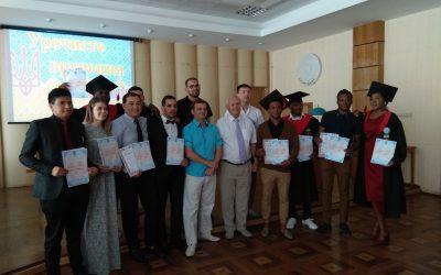 Вручення дипломів іноземним студентам – випускникам УДХТУ