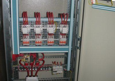 Пристрій для компенсування реактивної енергії