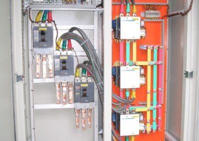 Система комутації з імпульсним керуванням та контролем рівня напруги